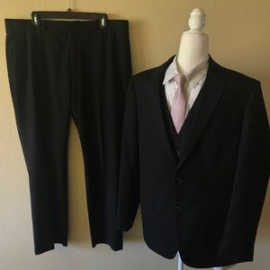 Apt. 9 black Three piece suit P: 36/30 J: 42S V: L